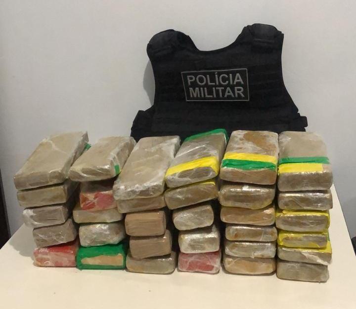 Polícia Militar prende mulher com drogas pela segunda vez no mesmo mês